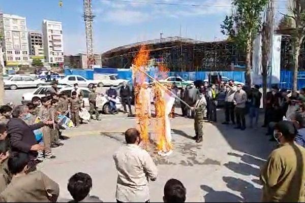 تجمع خودجوش و مردمی اردبیل به مناسبت روز جهانی قدس/پرچم رژیم صهیونیستی به آتش کشیده شد+فیلم